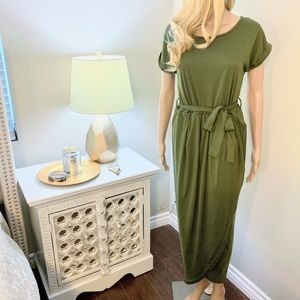 Dresses & Skirts - Simple Green Wrap Dress